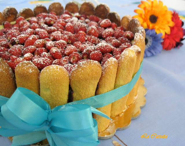 Charlotte con crema chiboust all'arancia e fragoline di bosco senza glutine - La Cassata Celiaca