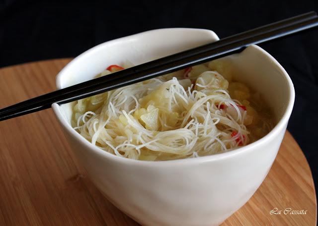 Soupe de noodles avec chou et pommes de terre - La Cassata Celiaca