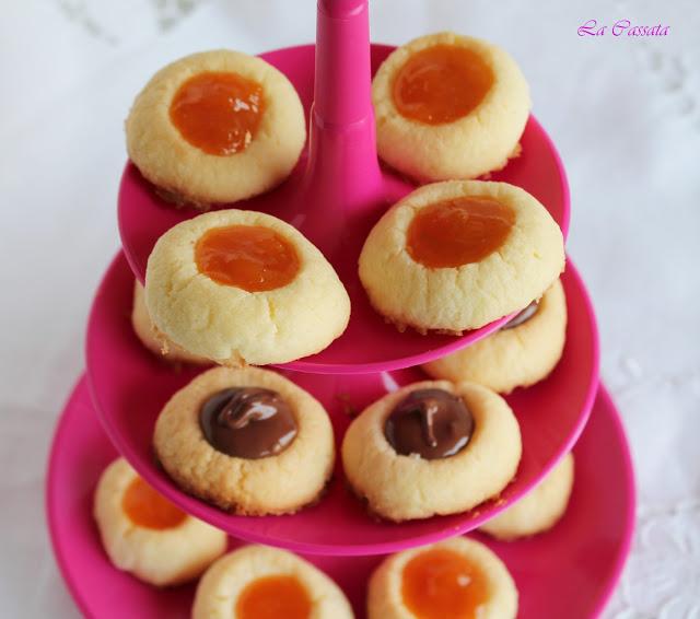 Biscottini al burro con confettura di albicocche senza glutine - La Cassata Celiaca
