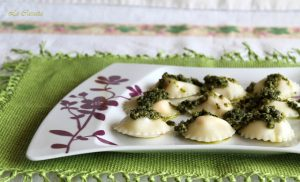 Ravioli con feta, podomori sott'olio e pesto (senza glutine) - La Cassata Celiaca