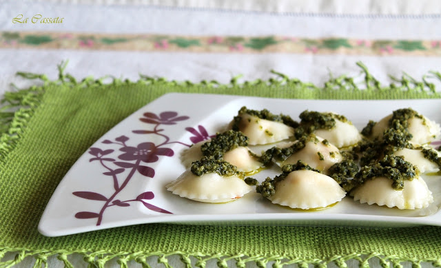 Raviolis sans gluten avec féta, tomates confites et pesto - La Cassata Celiaca