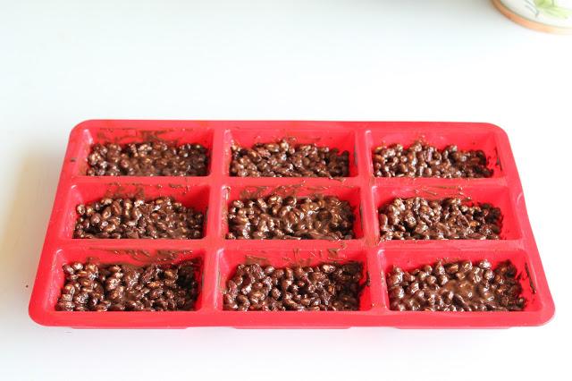 Barrette energetiche con cioccolato, riso soffiato e bacche di goji - La Cassata Celiaca