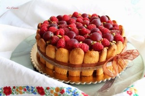 Charlotte con crema e frutti di bosco senza glutine - La Cassata Celiaca