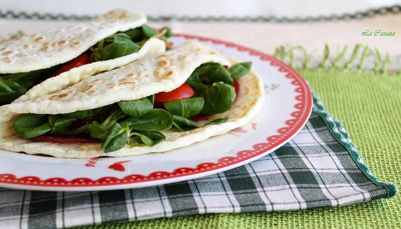 La video ricetta: Piadine senza glutine con bresaola, formaggio e valerianella - La Cassata Celiaca