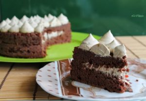 Gâteau au chocolat sans gluten avec chantilly au Nescafé - La Cassata Celiaca