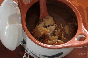 Soupe de lentilles avec pâtes sans gluten - La Cassata Celiaca