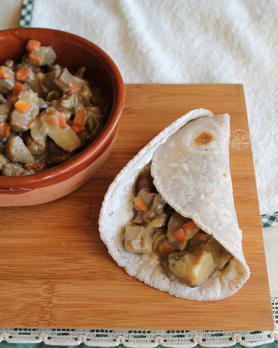 Spezzatino di tacchino e funghi misti con pane chapati - La Cassata Celiaca