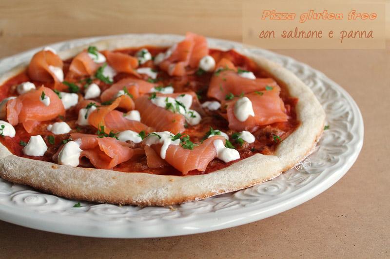 Pizza senza glutine con salmone e panna