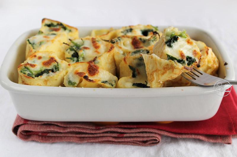 Gratin di crêpes con besciamella e spinaci - La Cassata Celiaca