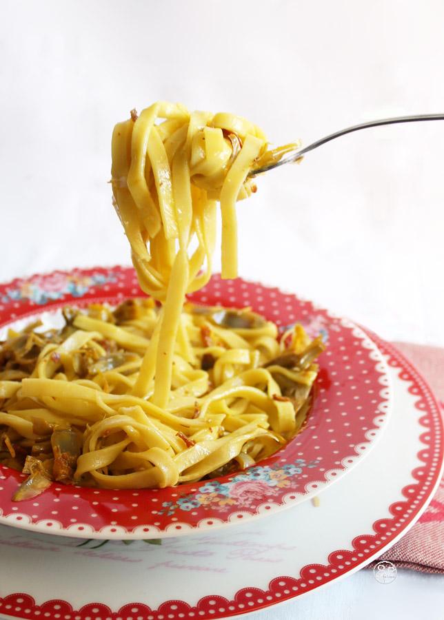 Tagliatelle con carciofi, pancetta e zafferano - La Cassata Celiaca