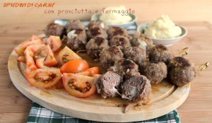 Brochettes de viande avec jambon et fromage, sans gluten - La Cassata Celiaca