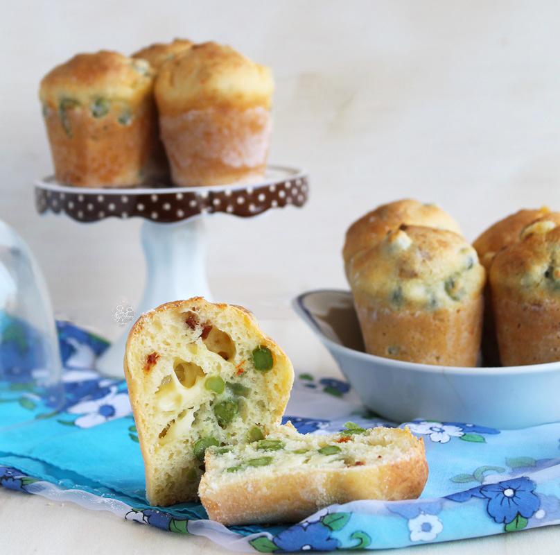 Muffins sans gluten avec petits pois et tomates confites - La Cassata Celiaca