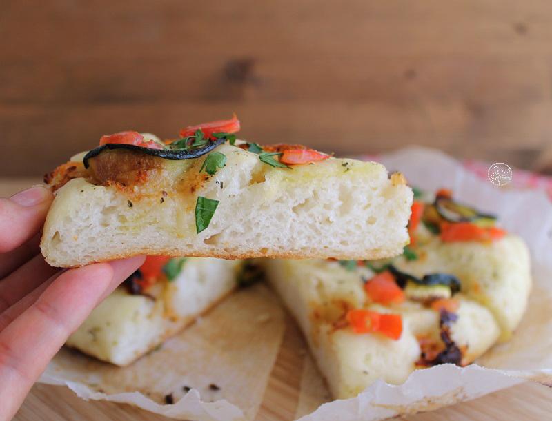 Focaccia con stracchino e zucchine senza glutine - La Cassata Celiaca