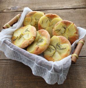 Focaccine con patate senza glutine - La Cassata Celiaca