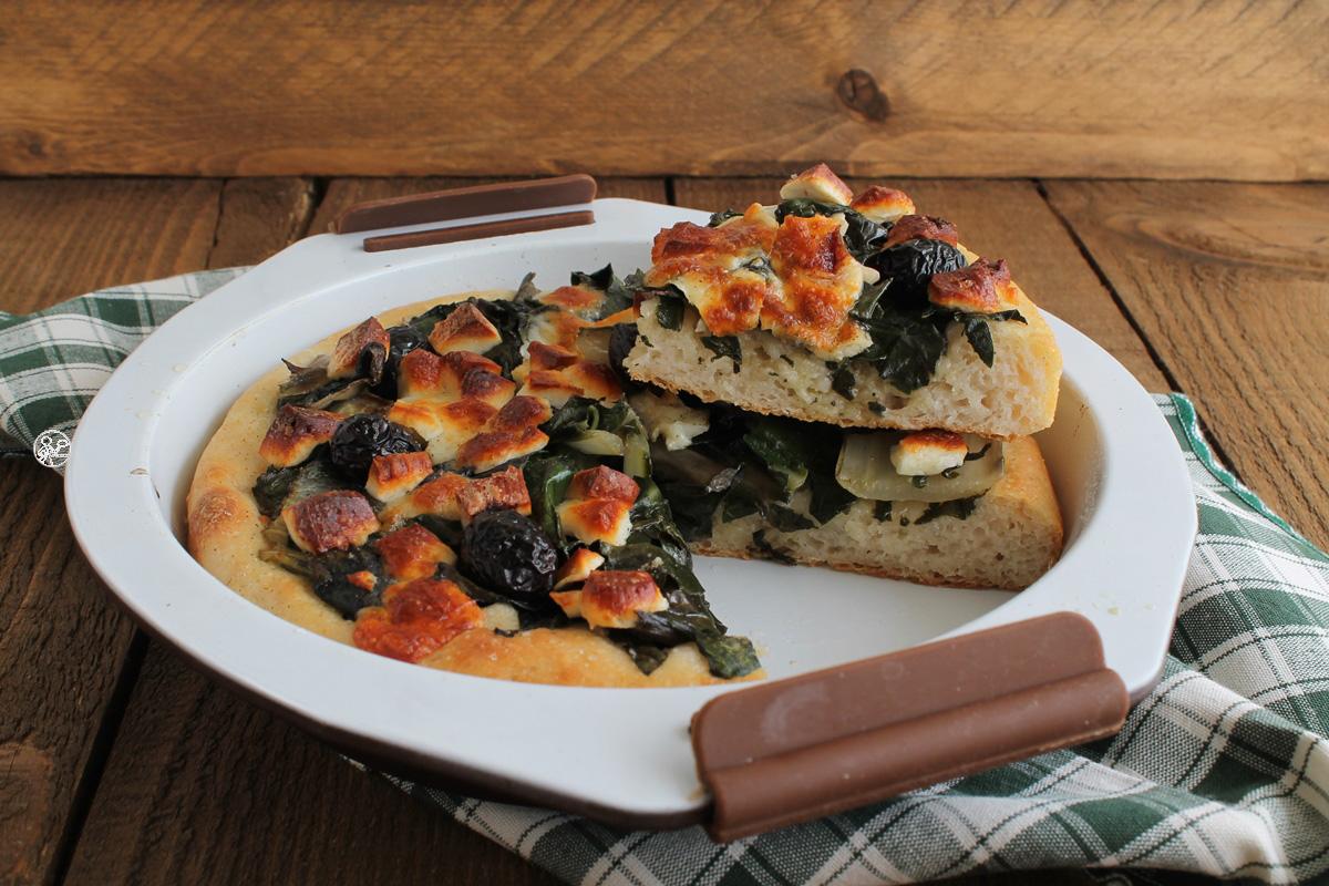 Focaccia aux blettes, fromage et olives sans gluten - La Cassata Celiaca