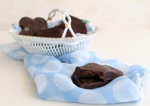 Cioccolatini ripieni di marzapane senza glutine - La Cassata Celiaca