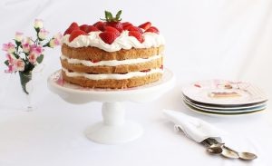 Naked cake alle fragole - La Cassata Celiaca