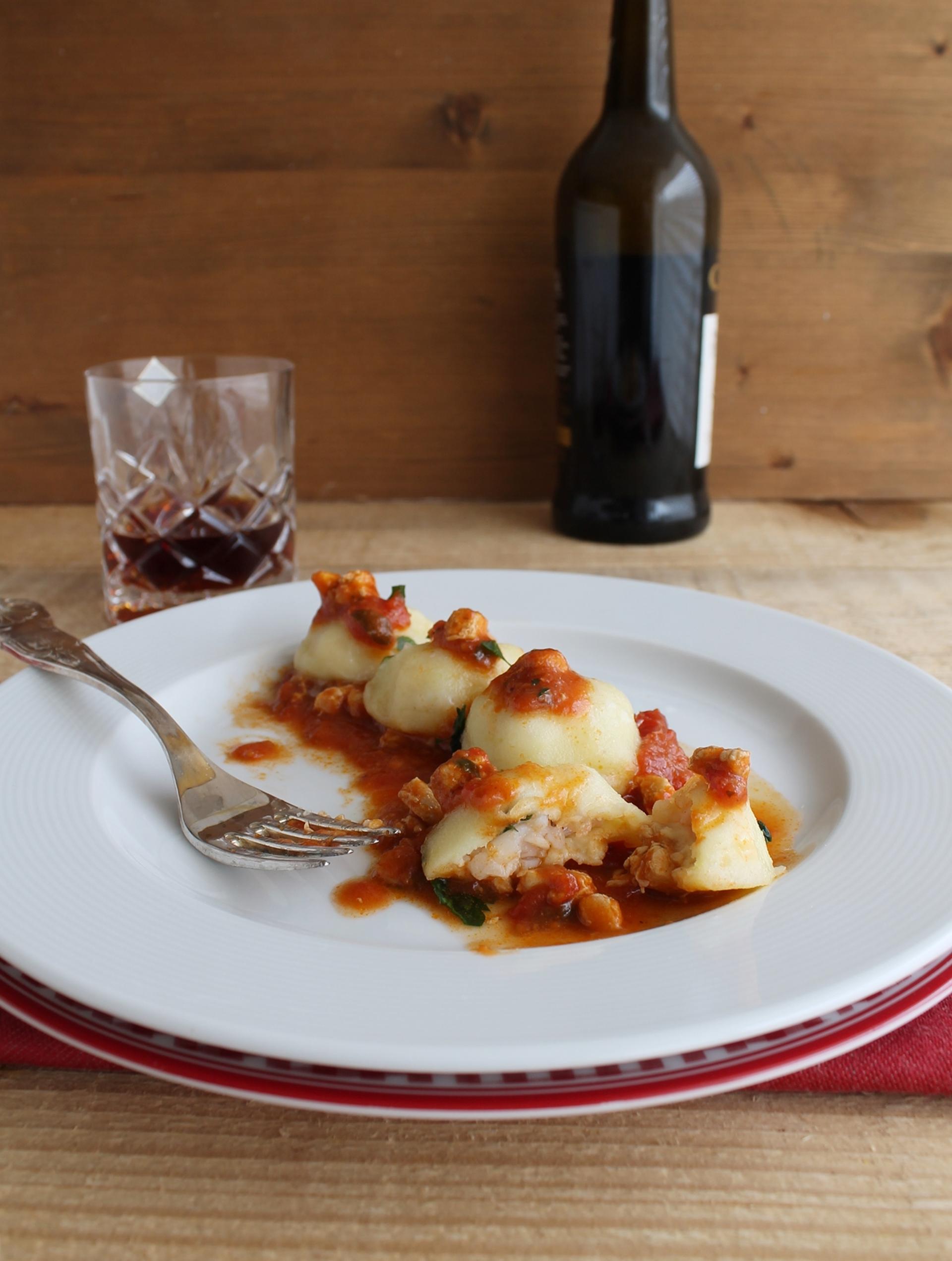 Ravioli di patate con ragù di pesce - La Cassata Celiaca