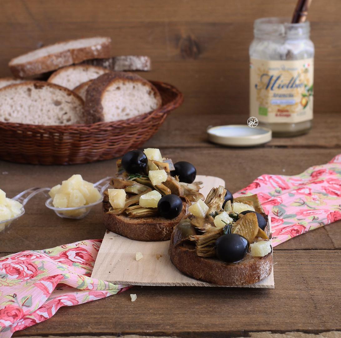Bruschetta con carciofi gluten free - La Cassata Celiaca