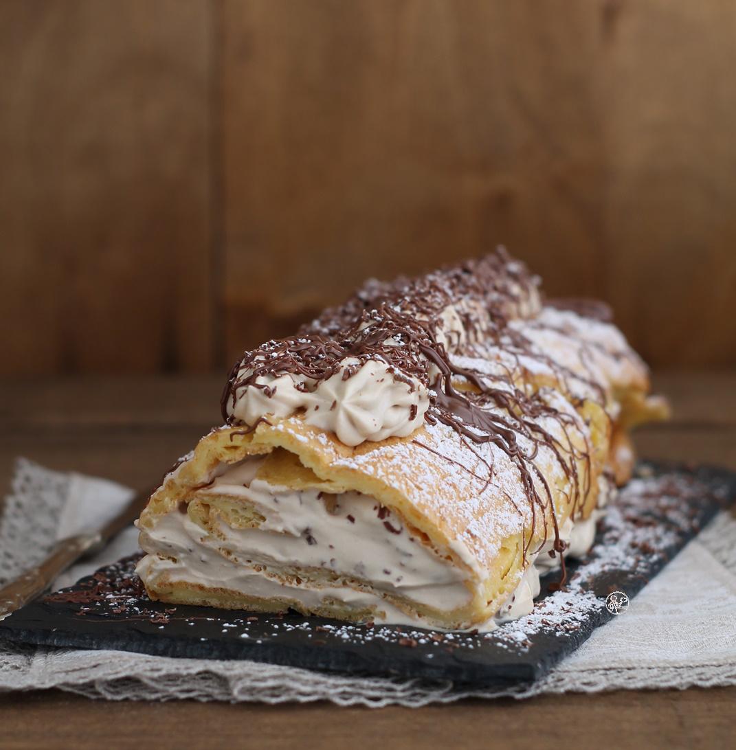 Rouleau da pâte à choux et chantilly aux noisettes sans gluten -La Cassata