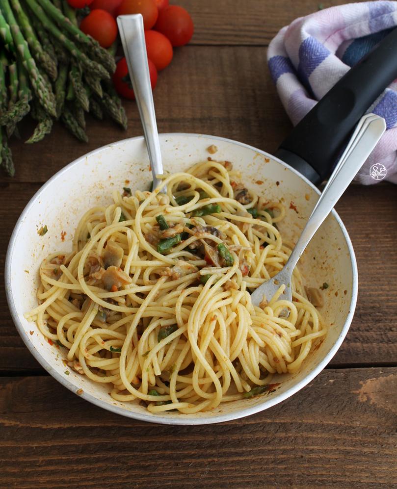 Spaghettis avec palourdes et asperges sans gluten - La Cassata Celiaca