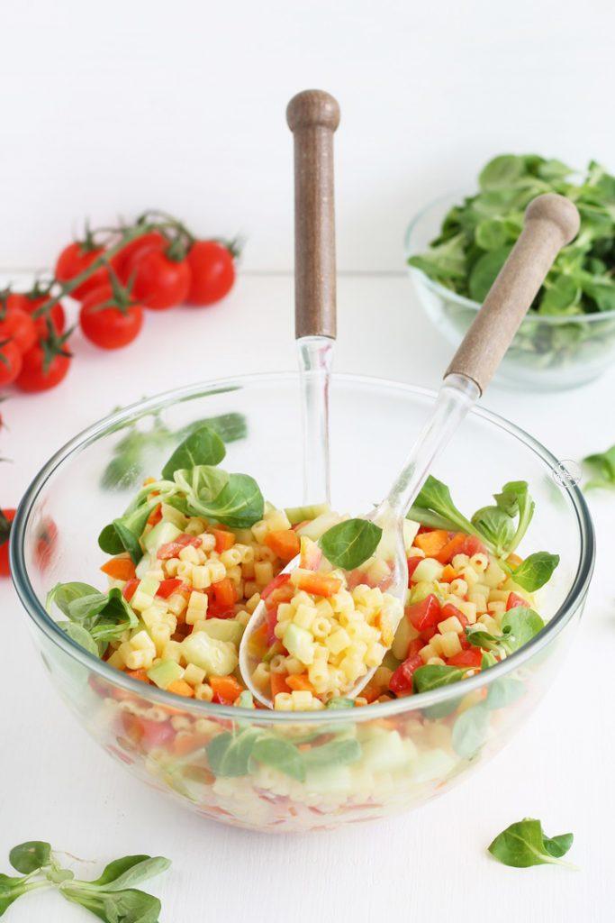 Salade de pâtes avec légumes en dés sans gluten - La Cassata Celiaca