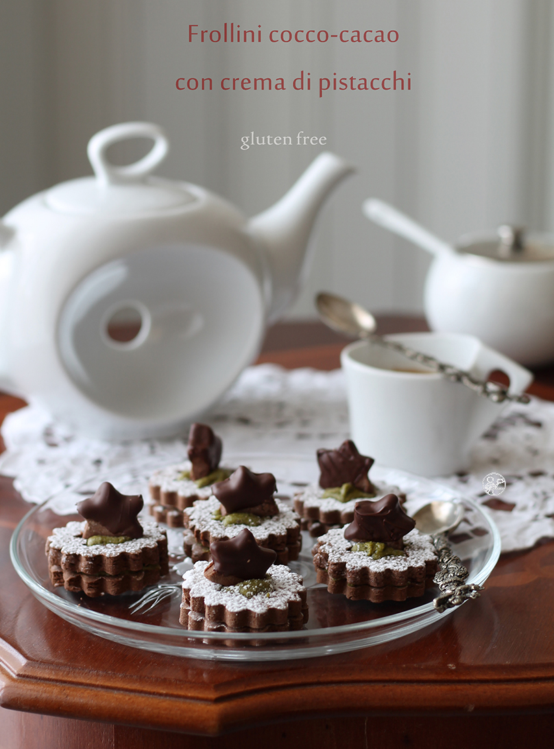 Frollini al cacao e cocco con crema di pistacchi senza glutine - La Cassata Celiaca