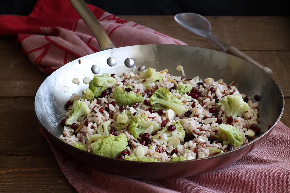 Riso con broccoli, mandorle e melagrana - La Cassata Celiaca