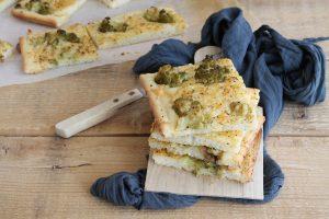 Focaccia avec chou-fleur et anchois sans gluten - La Cassata Celiaca