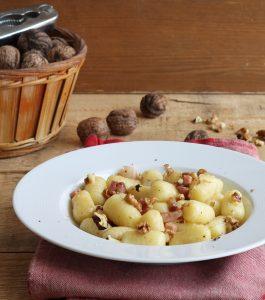 Gnocchis sans gluten avec speck et noix - La Cassata Celiaca