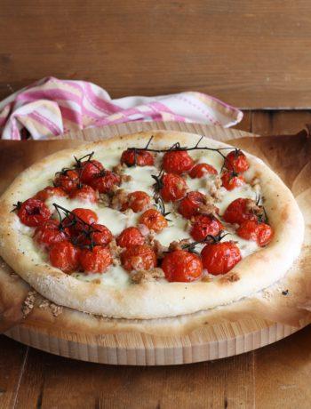 Pizza con pomodorini e tonno senza glutine - La Cassata Celiaca