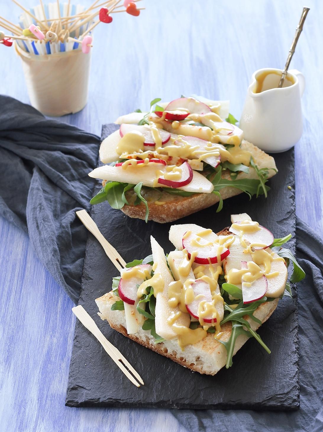 Bruschetta senza glutine con pere e primosale - La Cassata Celiaca