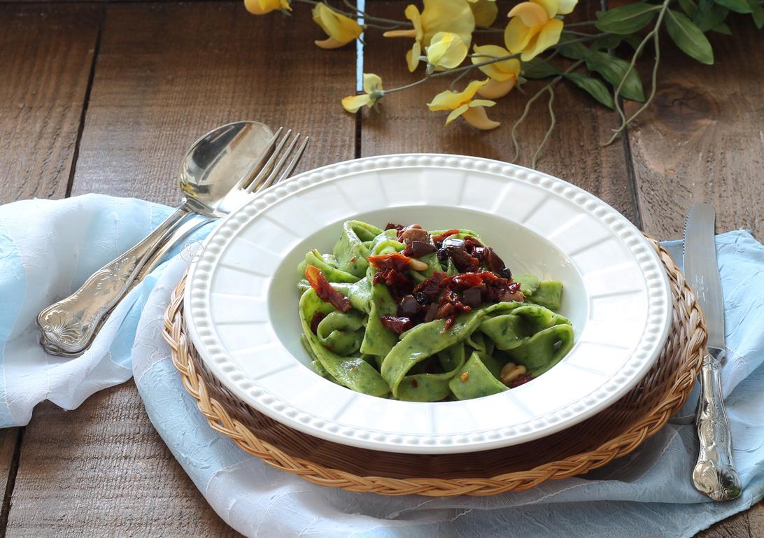 Tagliatelle verdi senza glutine alla siciliana - La Cassata Celiaca