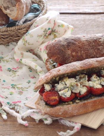 Petits pains sans gluten avec tomates confites et gorgonzola - La Cassata Celiaca