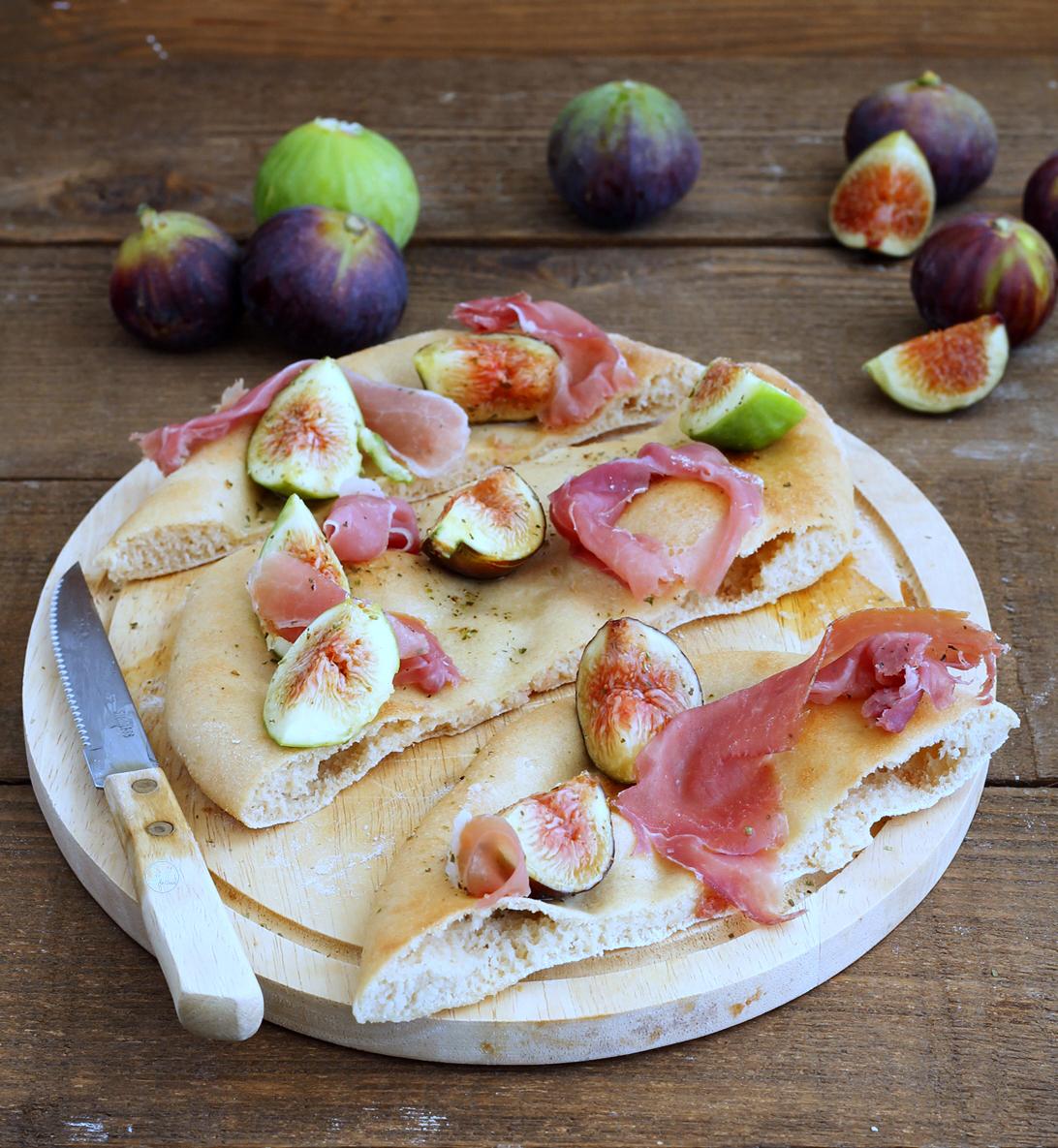 Pizza sans gluten avec figues et jambon cru - La Cassata Celiaca