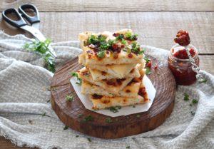 Focaccia sans gluten à la ricotta avec tomates et gorgonzola- La Cassata Celiaca