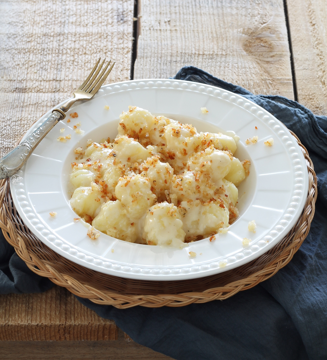 Gnocchi senza glutine con crema di pecorino e mollica croccante - La Cassata Celiaca