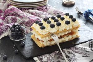 Millefeuille sans gluten à la crème et myrtilles- La Cassata Celiaca