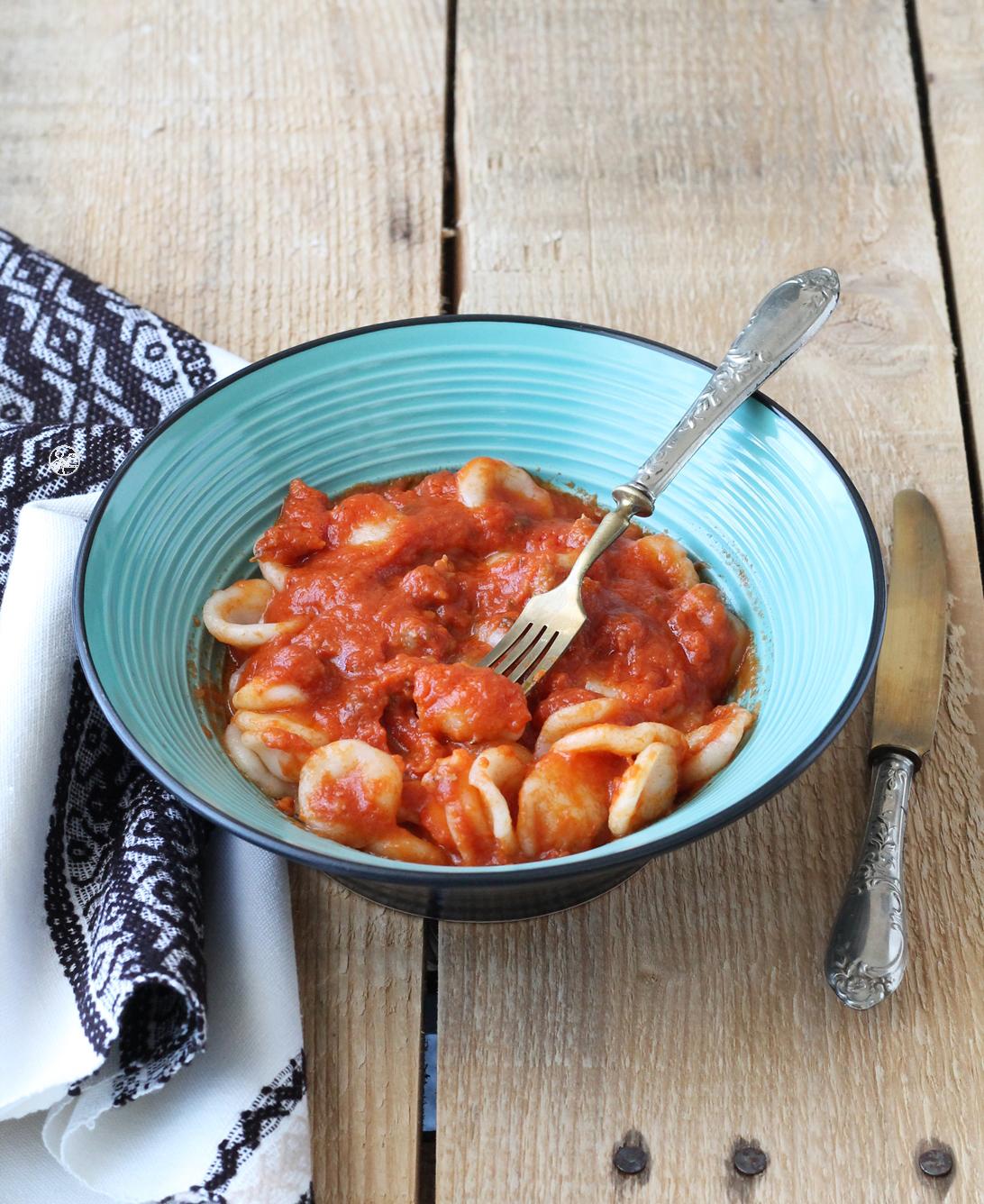 Orecchiette senza glutine con sugo di salsiccia e scamorza - La Cassata Celiaca