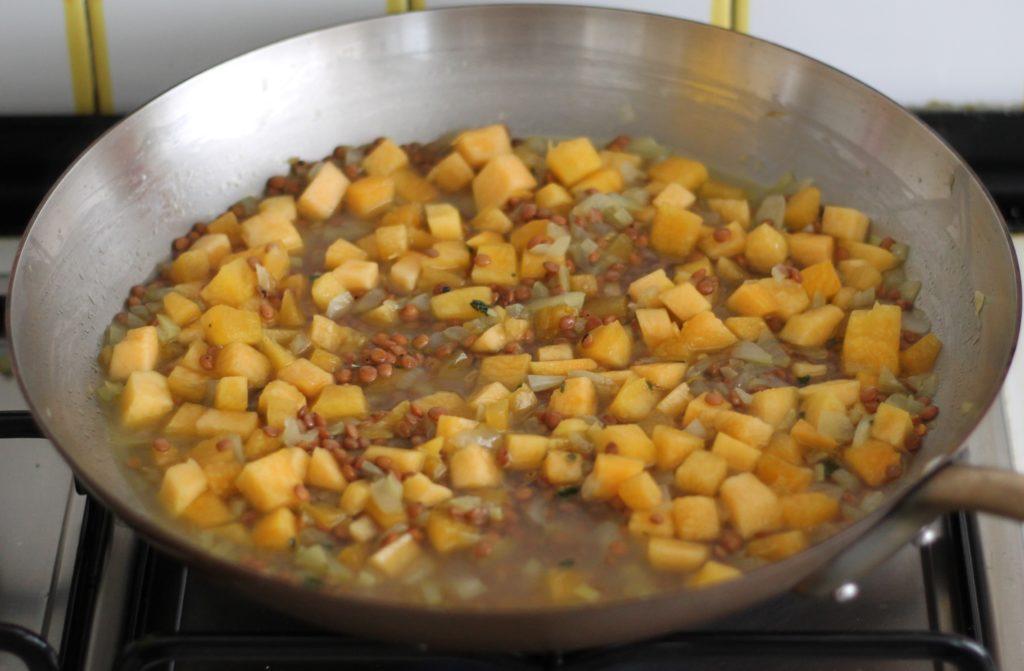 Pâtes sans gluten avec lentilles et potiron - La Cassata Celiaca