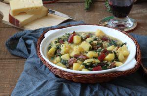 Soupe au riz avec pommes de terre et blettes rouges - La Cassata Celiaca
