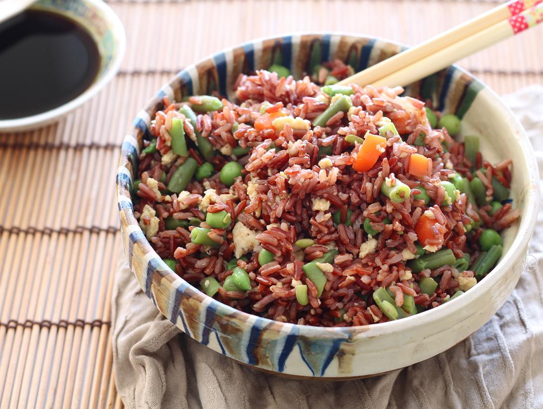 Riz rouge à la cantonaise sans gluten - La Cassata Celiaca