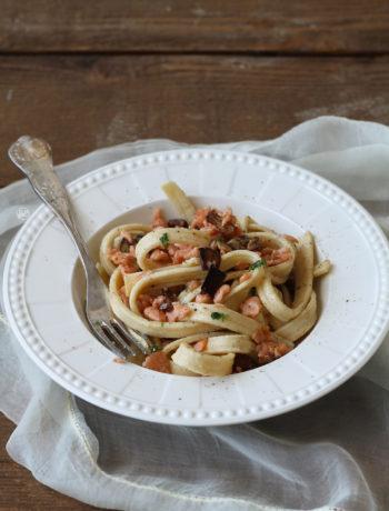 Scialatelli rigati senza glutine con salmone e melanzane - La Cassata Celiaca