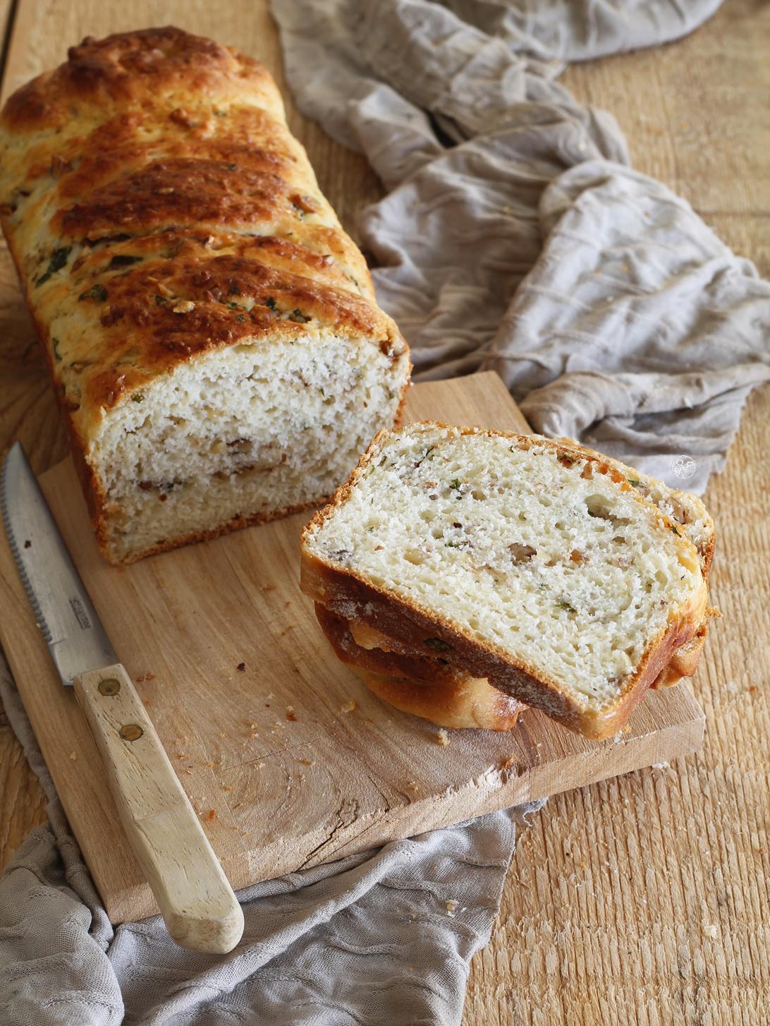 Brioche russa senza glutine con noci e basilico - La Cassata Celiaca