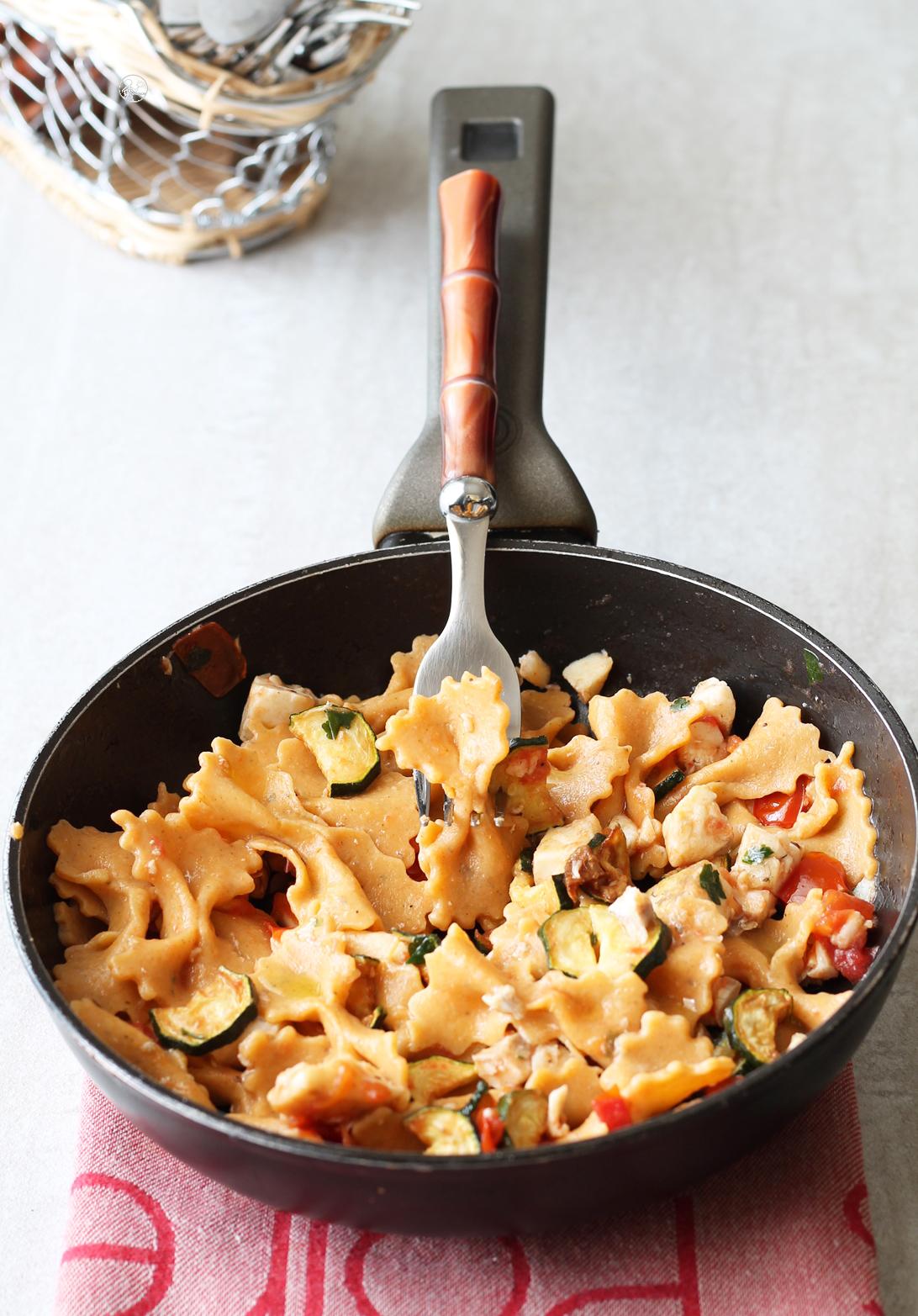 Pasta all'uovo senza glutine alla paprika con spigola e zucchine - La Cassata Celiaca