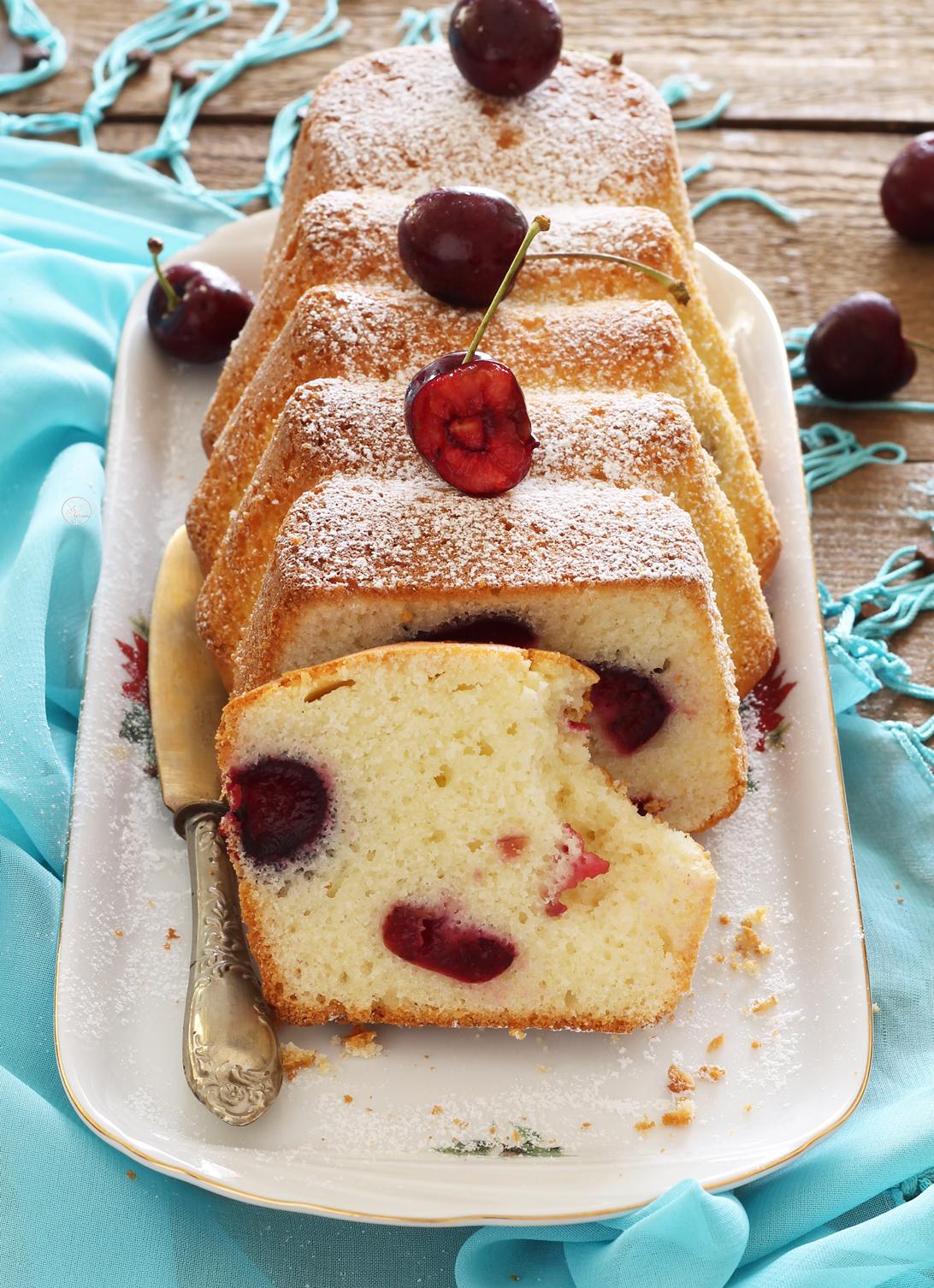 Cake sans gluten avec griottes et yaourt - La Cassata Celiaca
