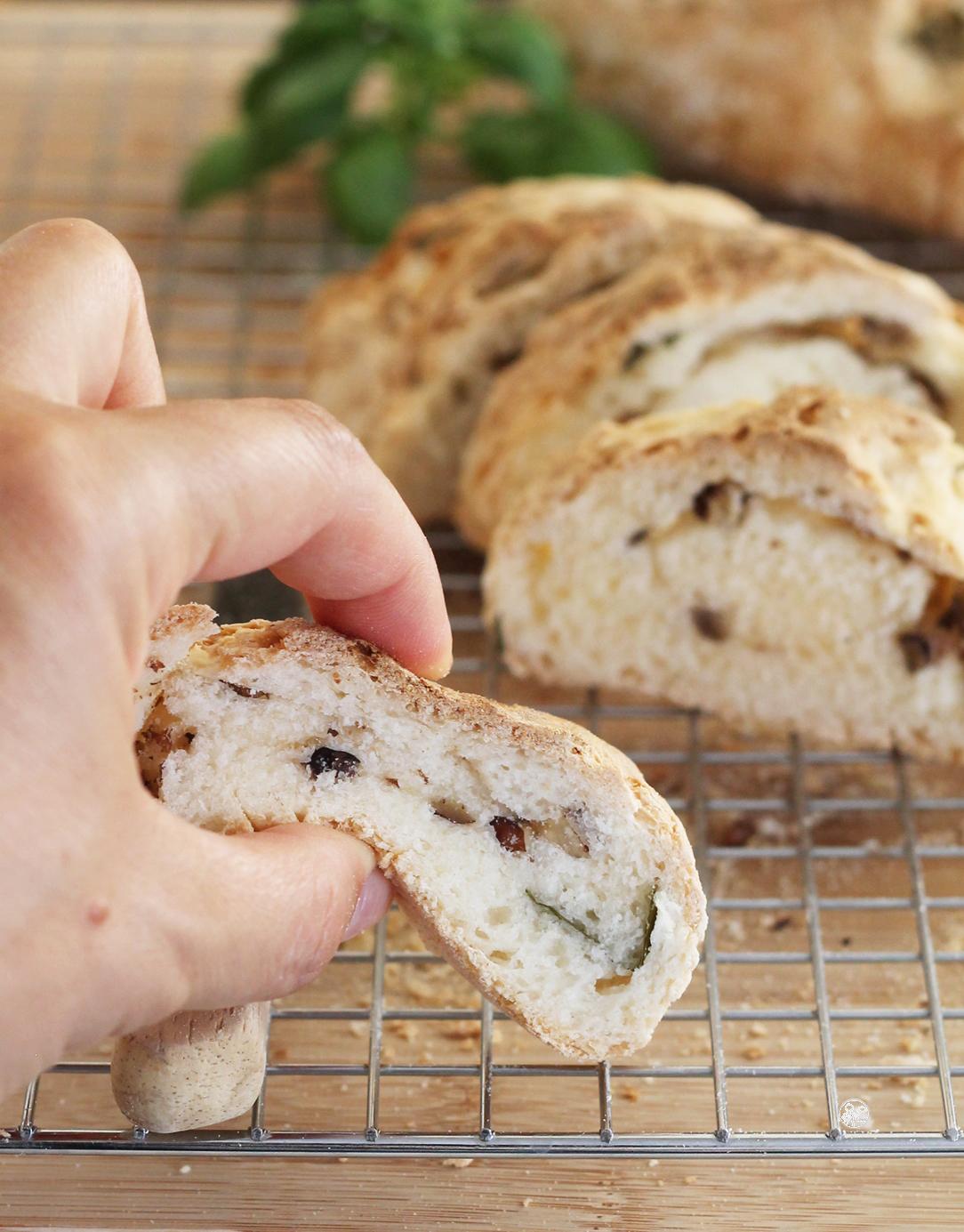 Pain sans gluten aux noix et au basilic en vidéo - La Cassata Celiaca