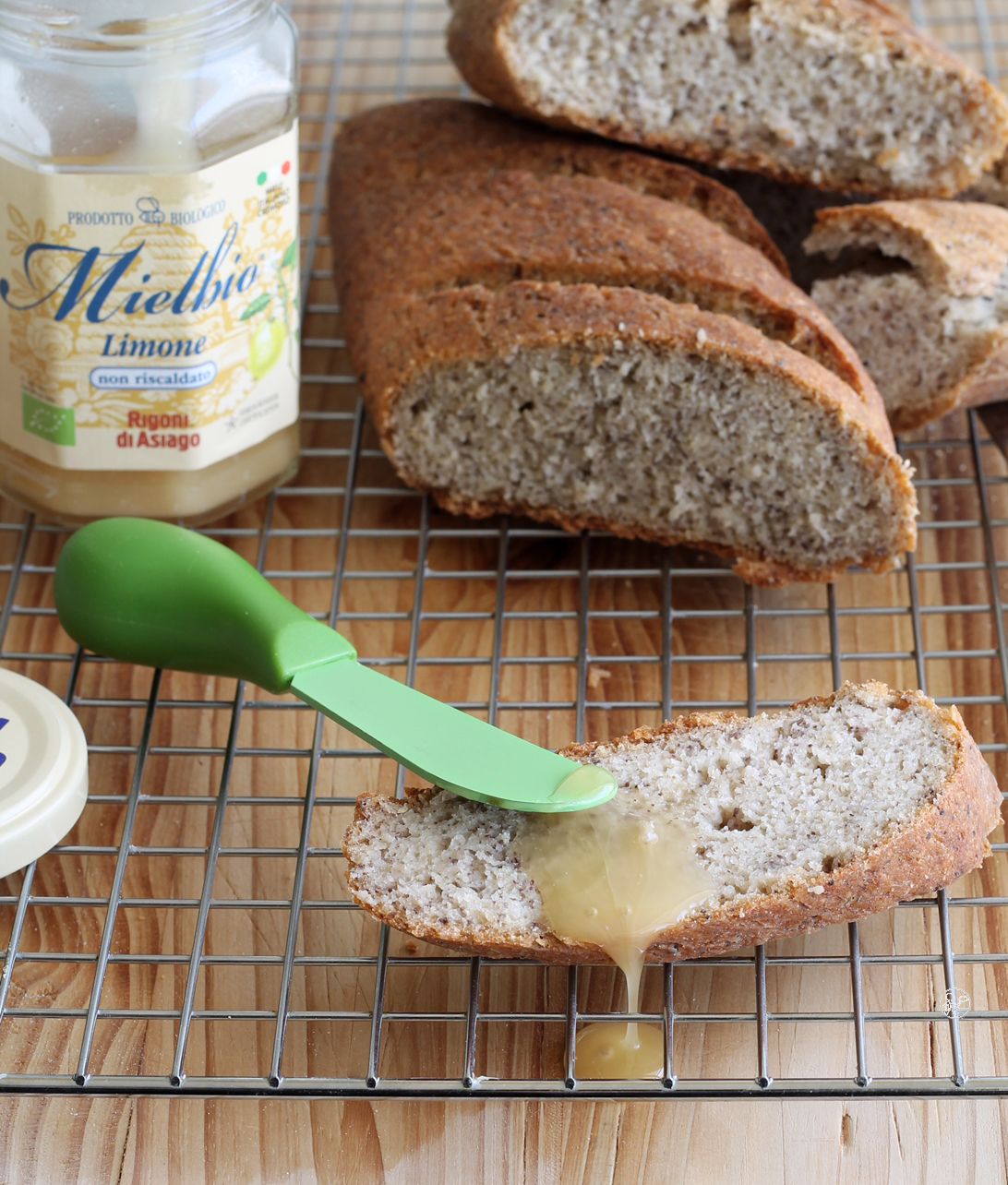 Pane rustico ai ceci neri senza glutine e senza mix commerciali - La Cassata Celiaca