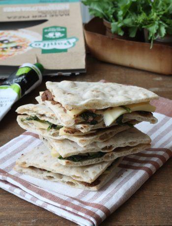 Sandwich de pizza sans gluten aux fanes de navet - La Cassata Celiaca