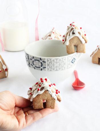 Mini maison en pâte sucrée à la cannelle sans gluten